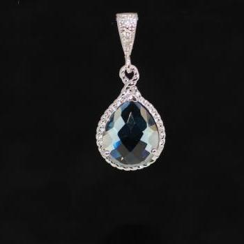 White Gold Plated Cubic Zirconia Detailed Bail with Sapphire Blue Glass Quartz Pendant (P029)